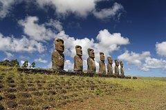 Ver la ciudad,Ver la ciudad,Tours temáticos,Tours históricos y culturales,Excursión a Isla de Pascua,Excursión a Ahu Akivi