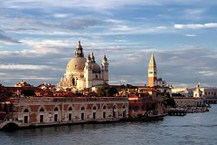 Around Italy: Venice 1Day Individual Excursion With Restaurant And Tour In