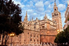 Imagen 1-Hour Skip-the-Line Seville Cathedral Guided Tour