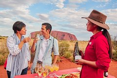 Imagen Ayers Rock Combo: Uluru Base and Sunset plus Uluru Sunrise and Kata Tjuta with an Optional BBQ Dinner or Kings Canyon Day Trip