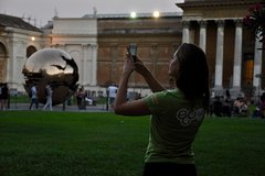 Imagen Friday Night Vatican Tour with Pinecone Courtyard Concert