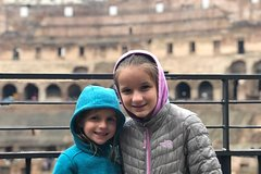 Skip the Line Colosseum Tour With Kids including Roman Forum Treasure Hunt