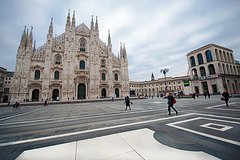 Welcome to Milan: Private Tour with a Local Guide!