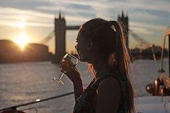 Imagen Croisière touristique au coucher du soleil sur la Tamise