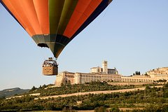 UMBRIA, ITALY - HOT AIR BALLOON RIDE WITH BRUNCH AND WINE TASTING