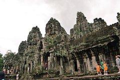 Angkor Wat circling Angkor wat small tour