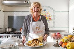 Lunch or dinner and cooking demo at a local home in Vietri sul Mare