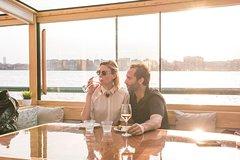 Wine and Cheese Pairing Classes on Yacht Manhattan