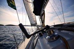 Adventure and Freedom: Sailing on Lake Como