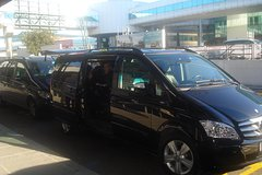 Fiumicino airport - Rome downtown private transfer up to 7 pax