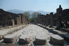 Pompeii from Sorrento: Small Group tour with ticket included (Fast Track)