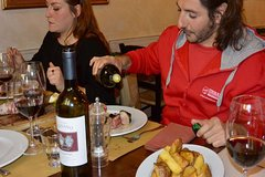 Florence: Florentine Beef Steak Dinner in the Oltrarno Neighbourhood with an expert guide