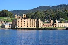 Imagen Port Arthur, Richmond and Tasman Peninsula Day Trip from Hobart