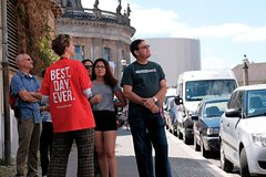 Imagen Small-Group Hidden Berlin Walking Tour: Palace of Tears, Jewish Quarter, Museum Island and Back Streets