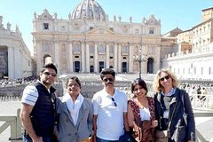 VATICAN MUSEUMS, SISTINE CHAPEL AND SAINT PETER'S BASILICA SEMI-PRIVATE TOUR