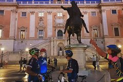Rome by night tour in electric bicycle with assisted pedaling