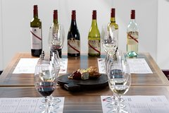 Imagen d'Arenberg McLaren Vale: Varietal Discovery and Cheese Tasting Plate