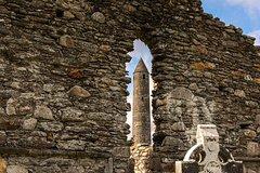 Ver la ciudad,Salir de la ciudad,Tours temáticos,Tours históricos y culturales,Excursiones de un día,Excursión a Wicklow,Excursión a Glendalough,Con visita a Wicklow,Excursión a Glendalough y Wicklow