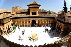 Imagen Recorrido privado por la Alhambra, los Palacios Nazaríes, el Generalife y la Alcazaba en Granada