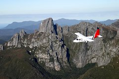 Imagen Tasmania Wilderness Experience: Southwest National Park by Air with Bush Walk and Harbor Cruise