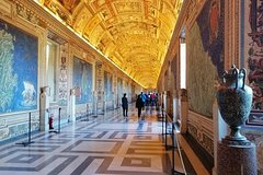 Private Vatican Tour: Egyptian, Etruscan Museum & Golden Room: Transfer