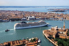 Private Transfer from Venice Airport to Mestre Hotel and Port