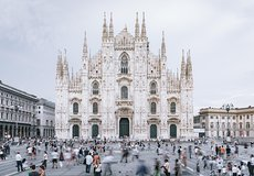 Skip the Line: Fast Track Ticket Milan Cathedral and Rooftop by Elevator