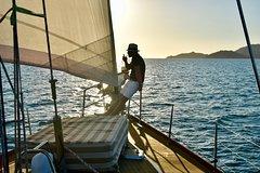 Imagen Magnetic Island Twilight Sailing Cruise
