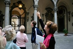 Expert-Led Medici Family Tour
