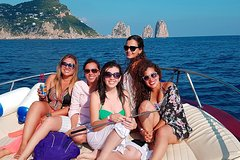 Capri Boat Tour: Small Group from Sorrento with limoncello tasting