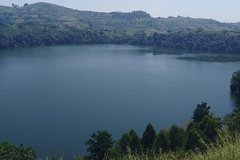 2days FORT PORTALCRATER LAKES TOUR--(CAR HIRE AND DRIVER )