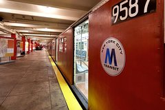See 30 Top New York Sights! (Walking Tour) & Visit The New York Transit Museum