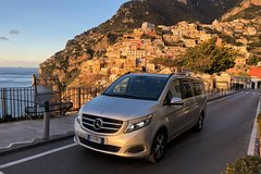 Tour of the Amalfi Coast for small groups with lunch from Sorrento