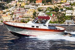 Amalfi Coast Boat Tour: Small Group from Sorrento