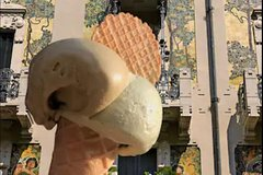 Visit old & newest Milan.Taste the best ice cream!