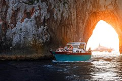 Small-group sunset and evening boat tour of Capri