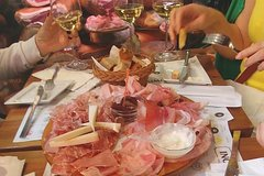Bologna Food Tour with Wine Tasting & Guided Sightseeing of Top Attract