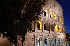 Three hours ancient Rome sightseeing tour by car with food & wine tasti