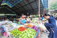 Pakbeng Local Market - 1hrs tours