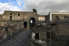 Pompeii-Herculaneum-Wine tour from Sorrento, with licensed guide included