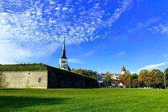 Private Tallinn tour with ParisRio Local Guide