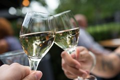 Discover 3 gastronomic restaurants in The Hague - SELF GUIDED FOOD & WINE TOUR