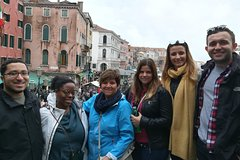 Venetian Cicchetti Street Food & Sightseeing Walking Tour with local gu