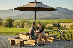 Imagen Half Day Guided with Half Day Self-Guided Marlborough Wine Region Bike Tour
