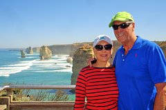 Imagen Small-Group Great Ocean Road and 12 Apostles Full-Day Tour from Melbourne