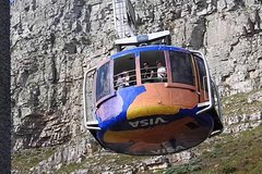 Cape Town Private Tour Table Mountain Car Ride and Robben Island Getaway