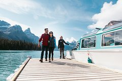 Activities,Water activities,Excursion to Maligne Lake