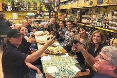 Ancient Naples and Decumani Evening Food & Wine Tour with Local Guide