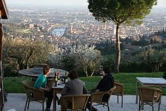 Special wine tour from Verona with 3 wine tasting experiences