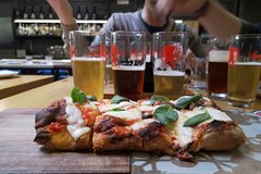 Private Italian Craft Beer & Pizza Tasting Tour in Rome